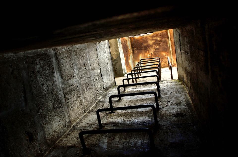 bunker-2359436_960_720